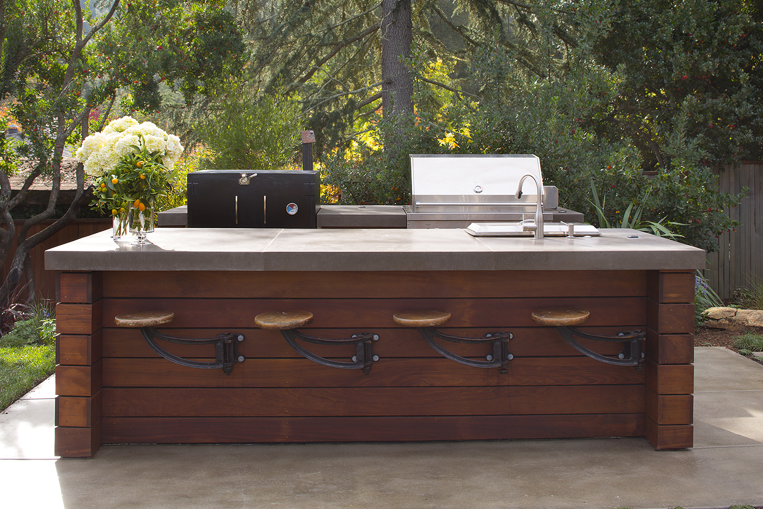 Featured on houzz outdoor kitchen and bar en francais for Outdoor kitchen ideas houzz