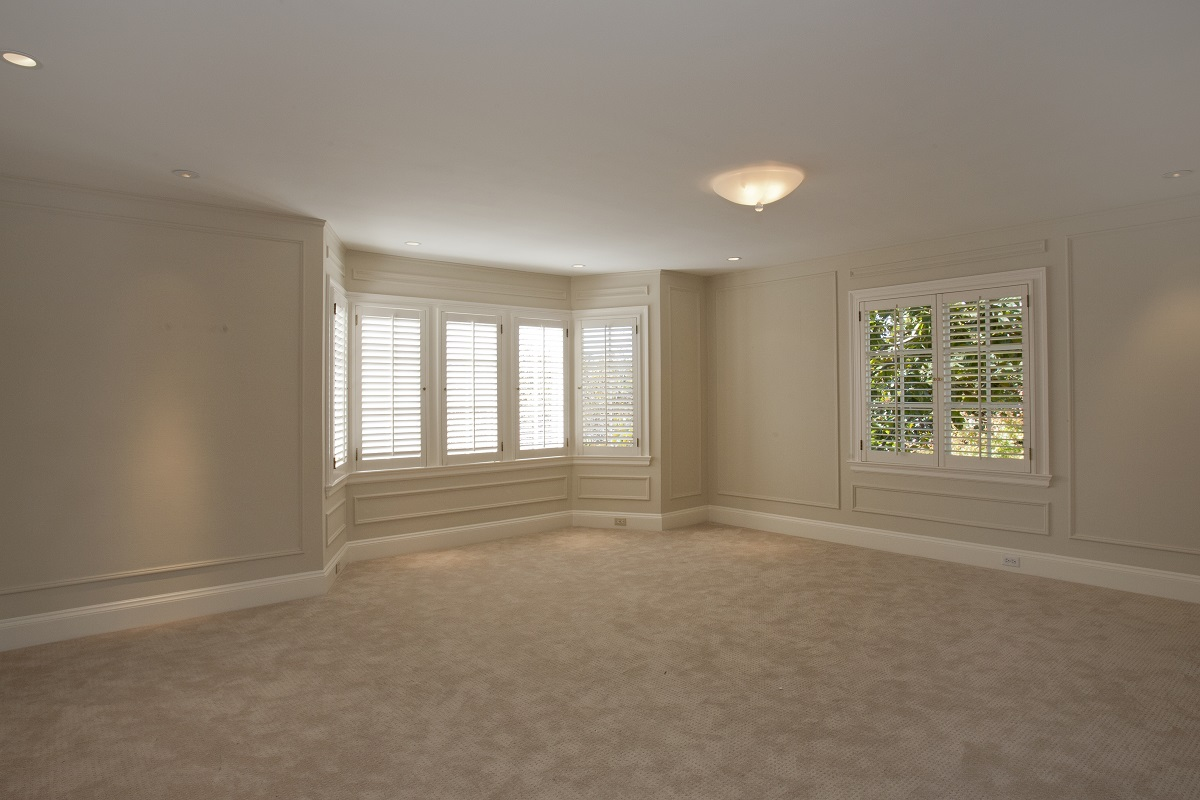 master_bedroom_tudor_bay_windows_view_before