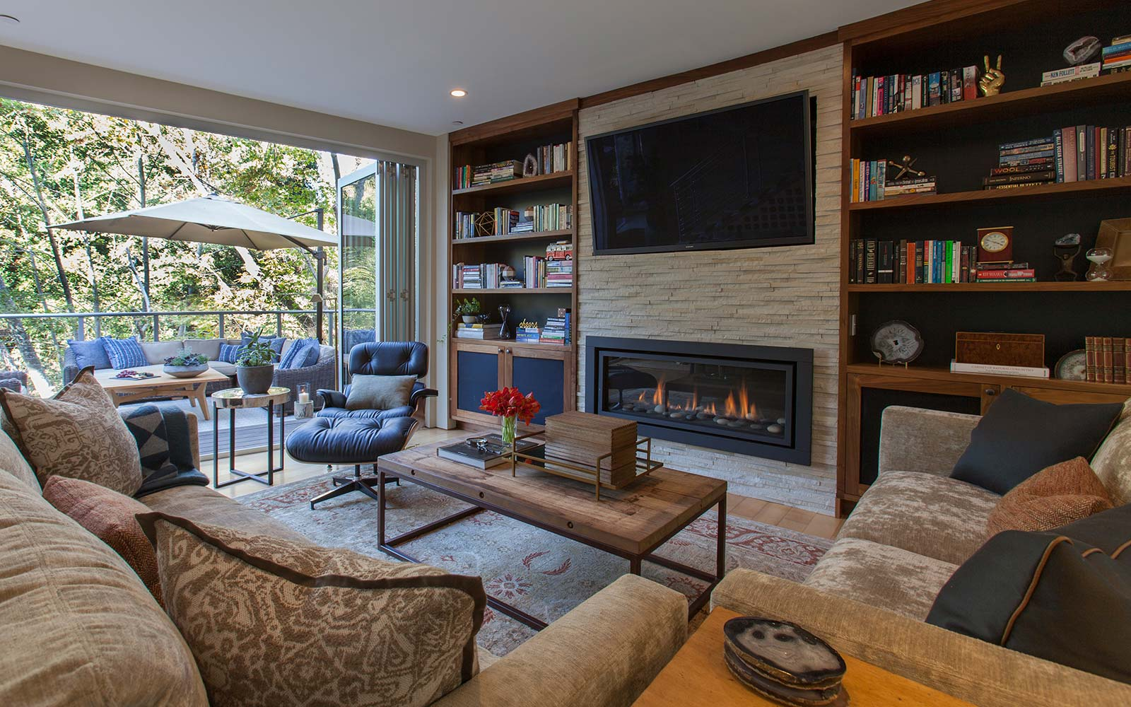 Mid century modern living room, high end interior design, Cupertino.