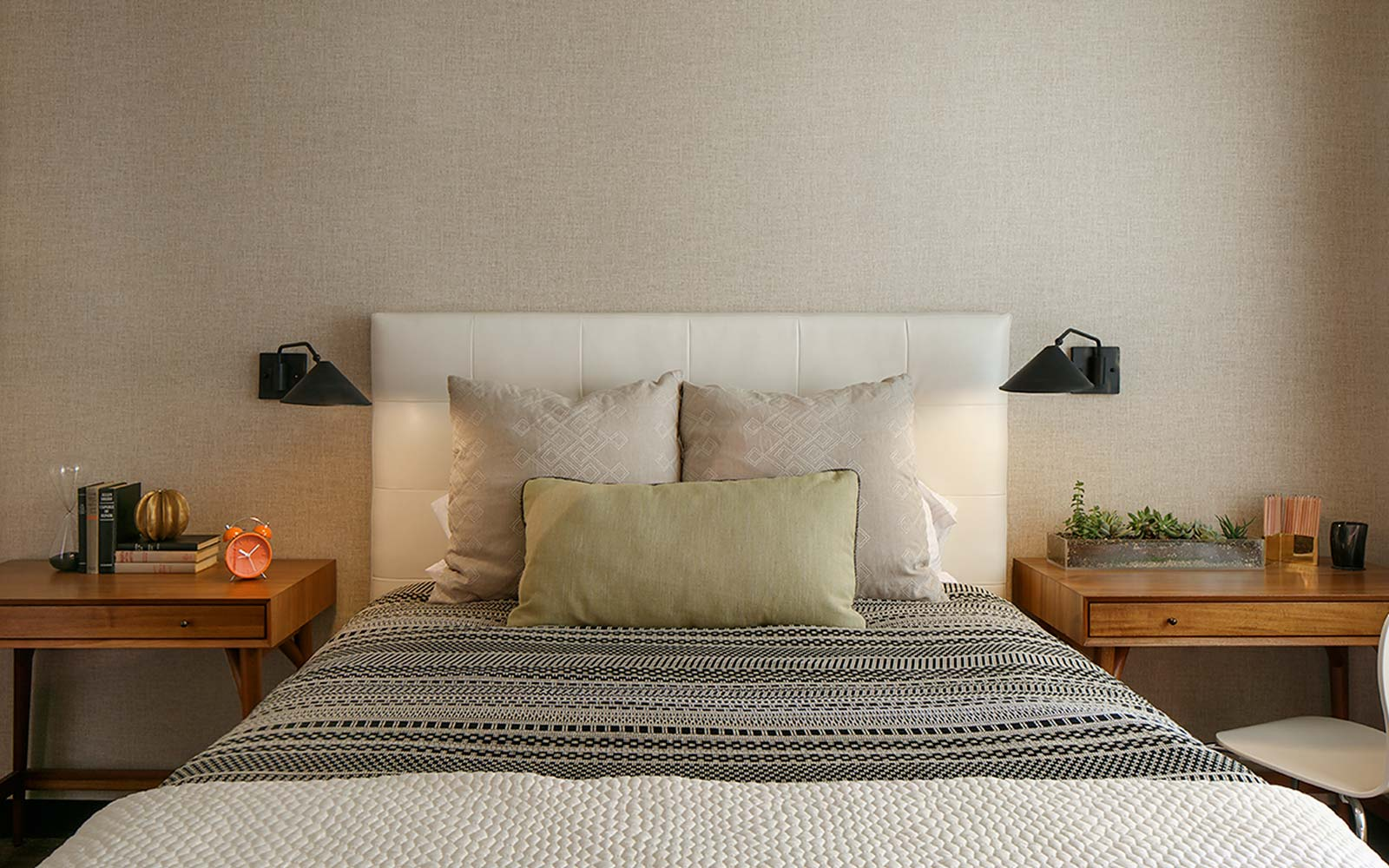 Belvedere interior designer, high net worth interior design of contemporary guest room.
