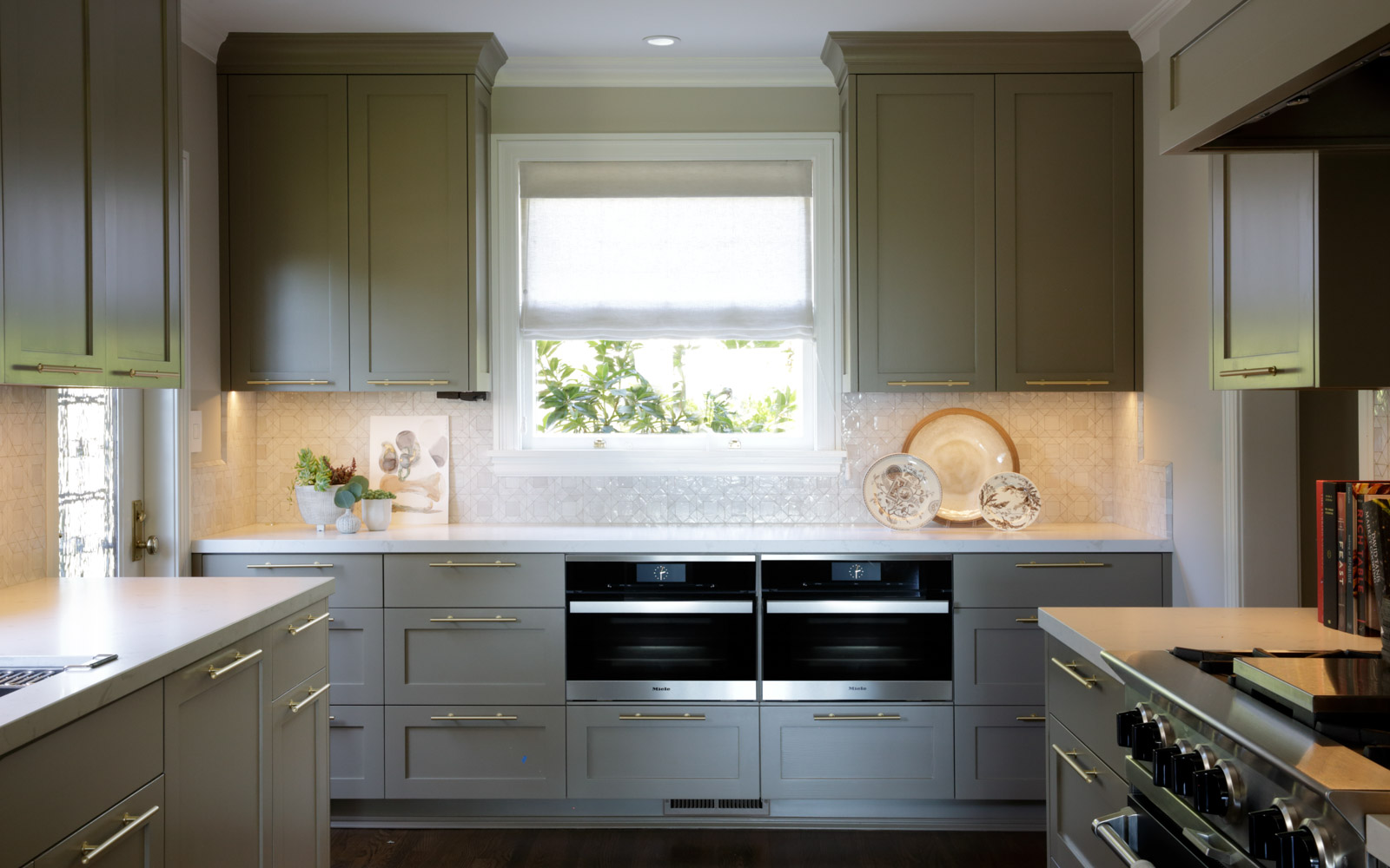 Ovens and custom painted cabinets demonstrating interior design by Laura Martin Bovard in Piedmont, CA