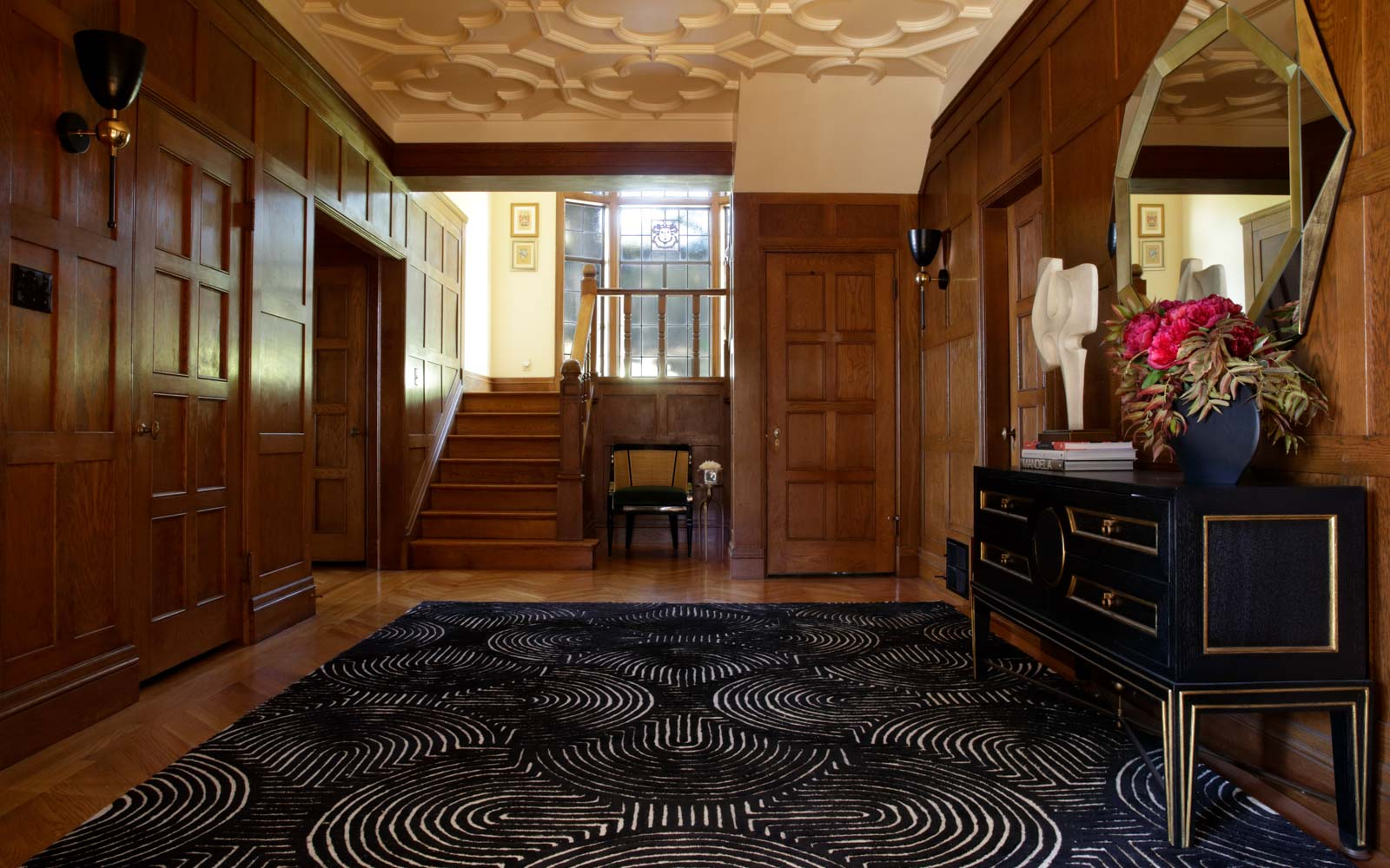 Gracious entry of landmark Morse House in Oakland, designed by LMB Interiors
